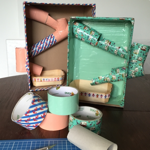 Upcycling Kugelbahn aus Klo- und Küchenrollen und Ducktape