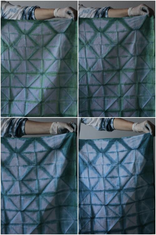 Indigo Magic - erst grün und am Sauerstoff wird es dann Indigoblau beim Shibori Workshop mit renna deluxe