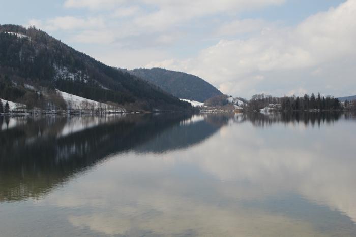 Himmel und Wolken spiegeln sich im Schliersee - #fotoprojekt17 - diephotographin