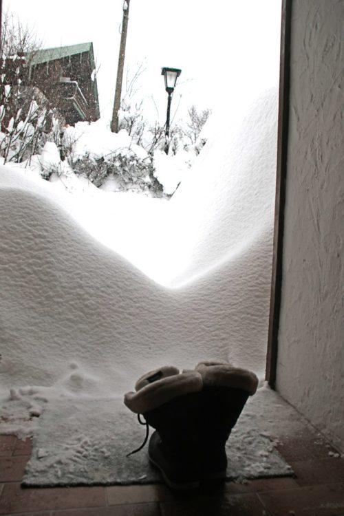 Stiefel im Schnee - Winter in Bayern - Increase Creativity
